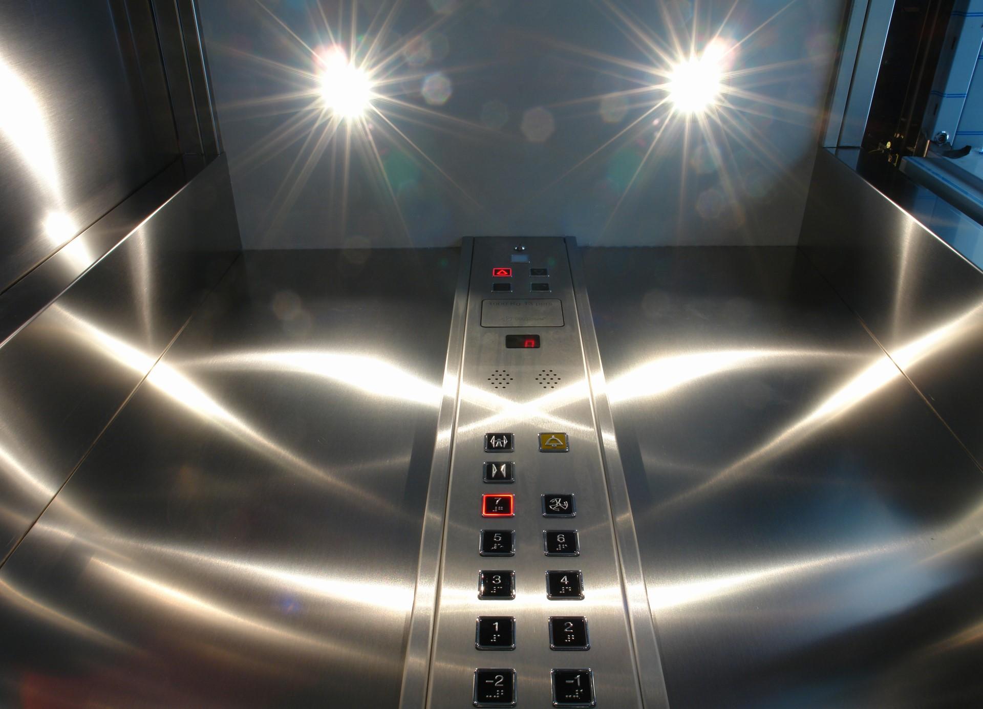 04-ascensore